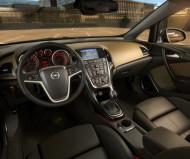 Czyszczenie zaworu EGR w Oplu Astra G 1.7 DTI Fot. Opel