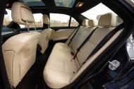 Mercedes-Benz C350 4Matic -tylna kanapa