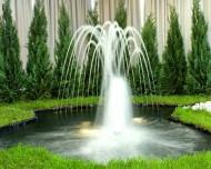 Obiektem małej architektury nazywamy między innymi posągi oraz wodotryski.